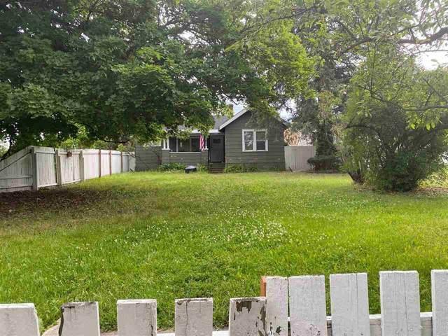 1823 W Chelan St, Spokane, WA 99205 (#202018022) :: The Spokane Home Guy Group
