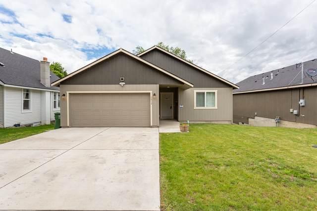 2419 E Hartson Ave, Spokane, WA 99202 (#202018309) :: RMG Real Estate Network