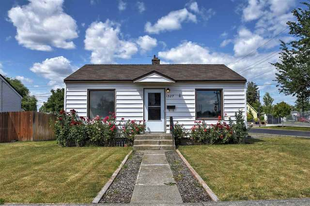 1327 E Hoffman Ave, Spokane, WA 99207 (#202018436) :: Northwest Professional Real Estate