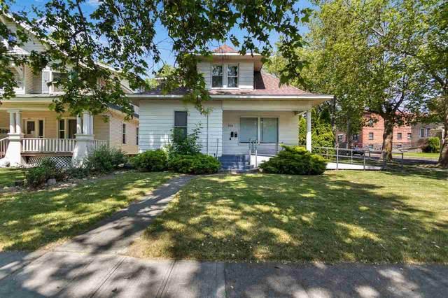 904 W Spofford Ave, Spokane, WA 99205 (#202018446) :: The Spokane Home Guy Group