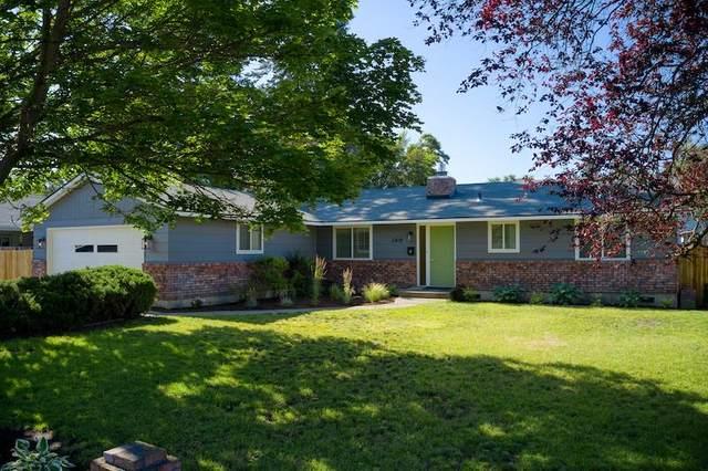 3418 E 27th Ave, Spokane, WA 99223 (#202018644) :: The Spokane Home Guy Group