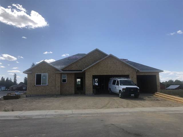 201 E Eleventh St, Deer Park, WA 99006 (#202019829) :: The Spokane Home Guy Group