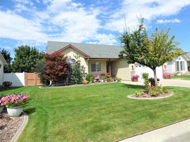 15927 E 5th Ln, Spokane Valley, WA 99037 (#202020156) :: Top Agent Team