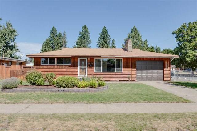 2928 W Bismark Ave, Spokane, WA 99205 (#202020364) :: The Hardie Group