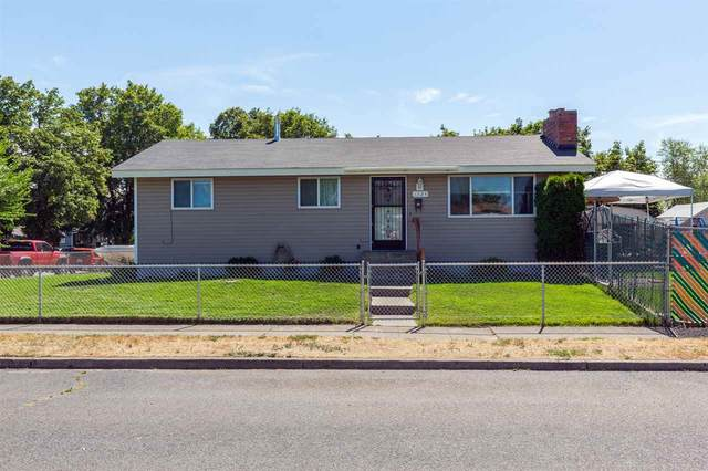 1724 E Lacrosse Ave, Spokane, WA 99207 (#202020469) :: The Hardie Group