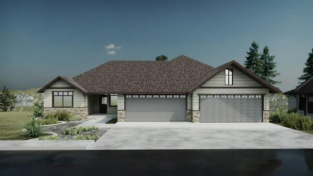 8720 E Ridgeline Ln, Spokane, WA 99217 (#202022690) :: The Hardie Group