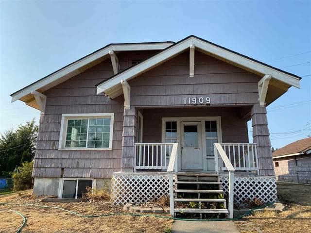 11909 E Railroad Cir, Spokane, WA 99206 (#202023054) :: Prime Real Estate Group