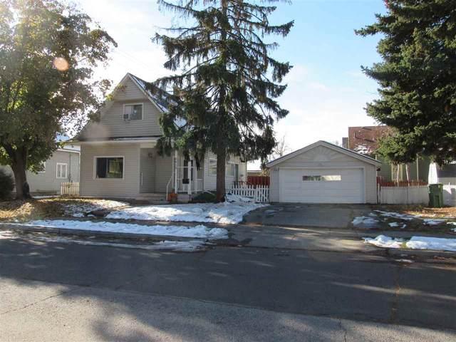 2415 N Lincoln St, Spokane, WA 99205 (#202024212) :: Five Star Real Estate Group