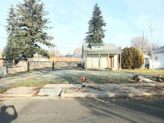 2122 W Indiana Ave, Spokane, WA 99205 (#202025281) :: Top Agent Team