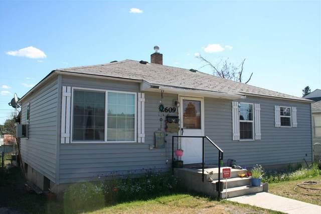 2609 W Francis Ave, Spokane, WA 99205 (#202025656) :: Alejandro Ventura Real Estate