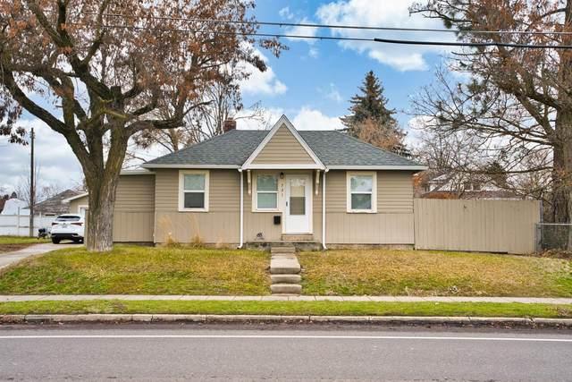 721 E 37th Ave, Spokane, WA 99203 (#202025912) :: Alejandro Ventura Real Estate