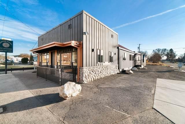 2904 E Francis Ave, Spokane, WA 99208 (#202026035) :: Bernadette Pillar Real Estate