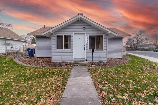 1623 W Fairview Ave, Spokane, WA 99205 (#202110434) :: Elizabeth Boykin & Keller Williams Realty