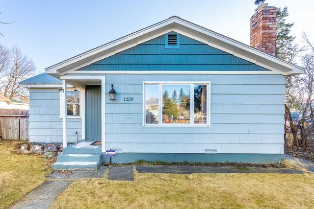 1229 W Bismark Ave, Spokane, WA 99205 (#202110753) :: The Spokane Home Guy Group