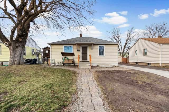 2017 E Rich Ave, Spokane, WA 99207 (#202112052) :: The Spokane Home Guy Group