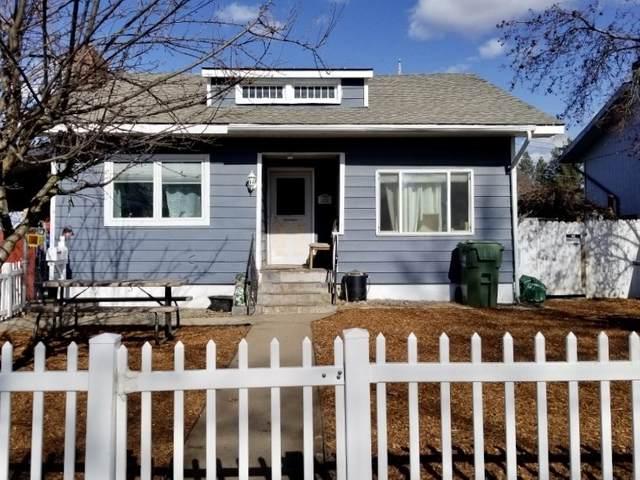 323 E Everett Ave, Spokane, WA 99207 (#202112225) :: Bernadette Pillar Real Estate