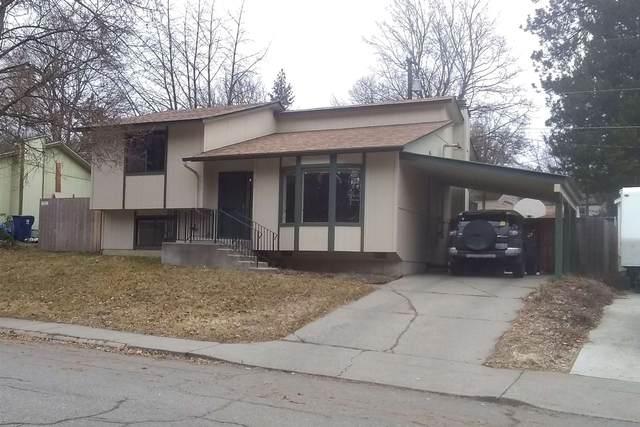 3122 W Woodland Blvd, Spokane, WA 99224 (#202112296) :: The Hardie Group