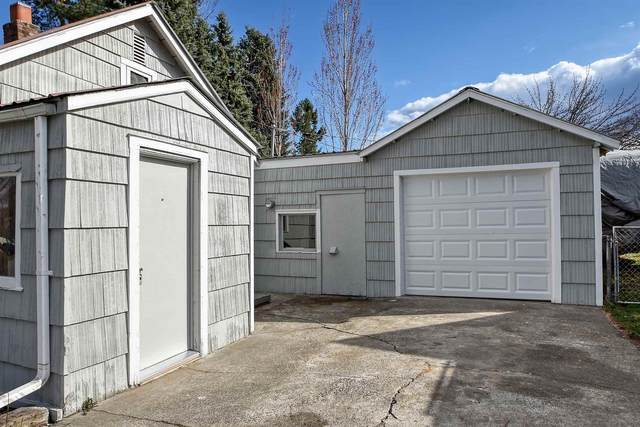 18326 E Sharp Ave, Spokane Valley, WA 99016 (#202113817) :: The Hardie Group
