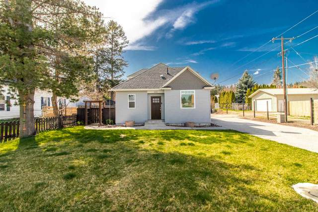3244 E Hartson Ave, Spokane, WA 99202 (#202113867) :: The Hardie Group