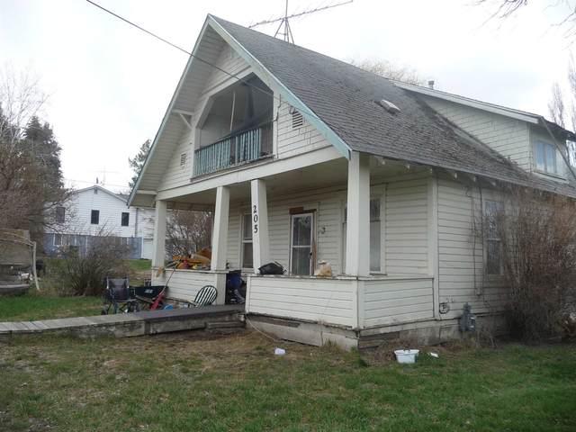 205 E 2nd St, Spangle, WA 99031 (#202113900) :: The Spokane Home Guy Group
