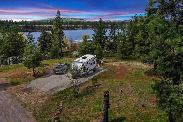 13414 S Clear Lake Rd, Medical Lake, WA 99022 (#202115112) :: Cudo Home Group