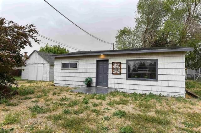 12104 N Main St, Mead, WA 99021 (#202116338) :: Bernadette Pillar Real Estate