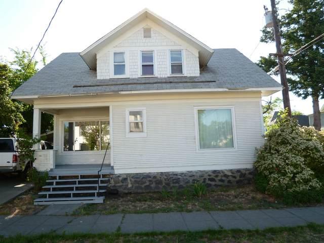 1109 N Walnut St, Spokane, WA 99201 (#202116621) :: Bernadette Pillar Real Estate