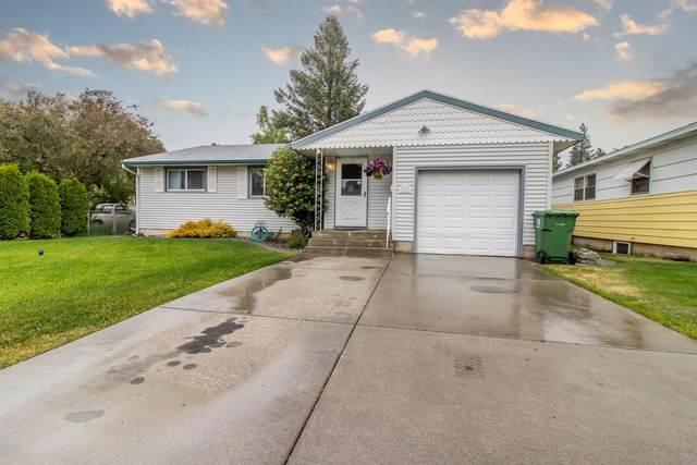 1123 E 37th Ave, Spokane, WA 99203 (#202116767) :: Bernadette Pillar Real Estate