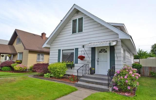 2215 W Sinto Ave, Spokane, WA 99201 (#202116839) :: The Spokane Home Guy Group