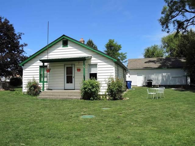 12712 N Oak St, Mead, WA 99021 (#202116923) :: The Hardie Group