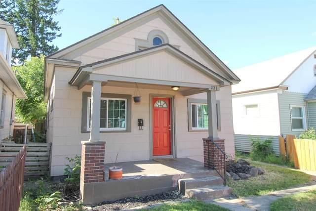 221 W Montgomery Ave, Spokane, WA 99205 (#202117017) :: The Spokane Home Guy Group