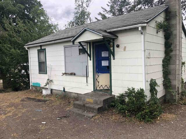 8004 E Broadway Ave, Spokane Valley, WA 99212 (#202117117) :: The Spokane Home Guy Group