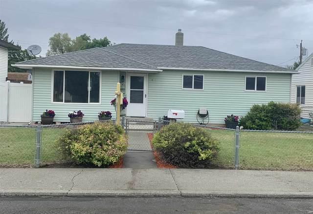 1633 E Rowan Ave, Spokane, WA 99207 (#202117125) :: Cudo Home Group