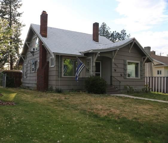 5011 N Cedar St, Spokane, WA 99205 (#202117171) :: Amazing Home Network