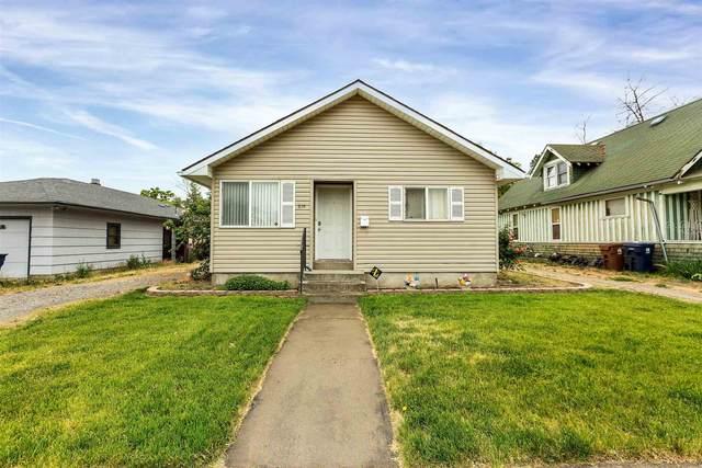 814 E Hoffman Ave, Spokane, WA 99207 (#202117178) :: The Spokane Home Guy Group
