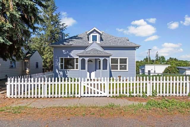 327 S Crosby St, Tekoa, WA 99033 (#202117527) :: Elizabeth Boykin | Keller Williams Spokane