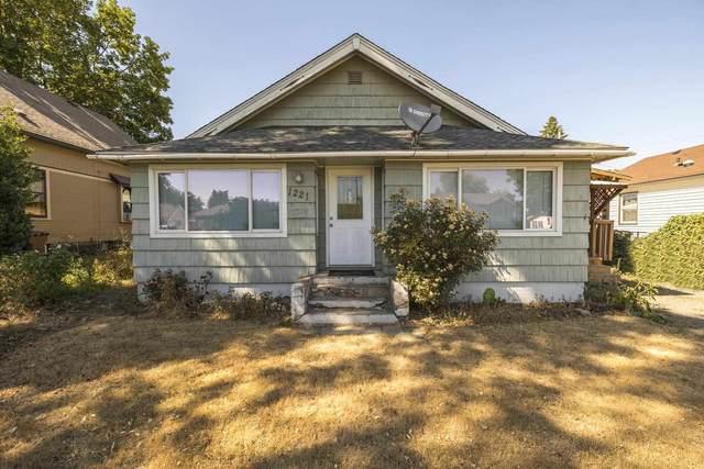 1221 E Gordon Ave, Spokane, WA 99207 (#202118573) :: Top Agent Team