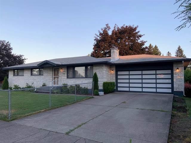 4205 W Queen Ave, Spokane, WA 99205 (#202119242) :: The Spokane Home Guy Group