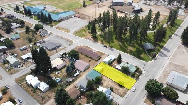 929 W 1st St, Newport, WA 99156 (#202119366) :: Bernadette Pillar Real Estate