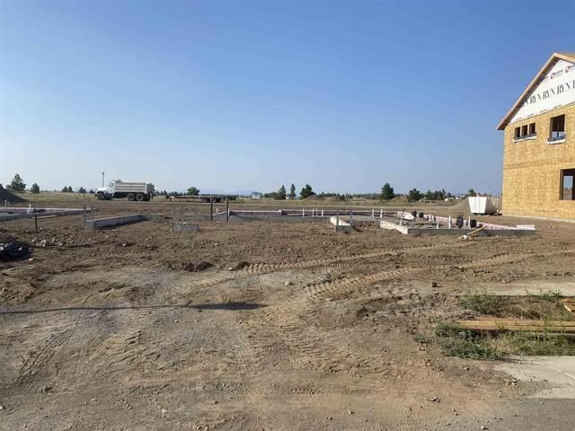 13028 W Pacific Ave, Airway Heights, WA 99001 (#202119830) :: Bernadette Pillar Real Estate