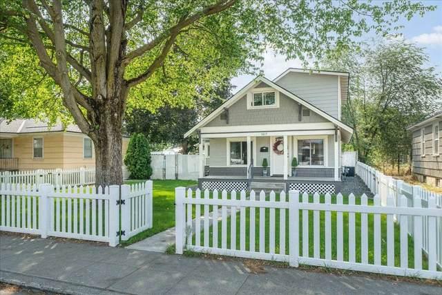 5217 N Maple St, Spokane, WA 99205 (#202119859) :: Freedom Real Estate Group