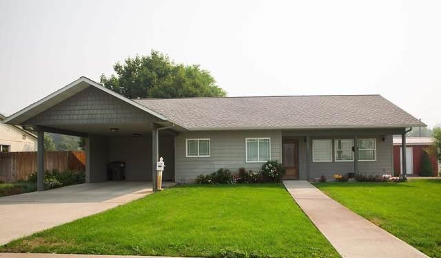 475 S Maple St, Colville, WA 99114 (#202120006) :: Cudo Home Group