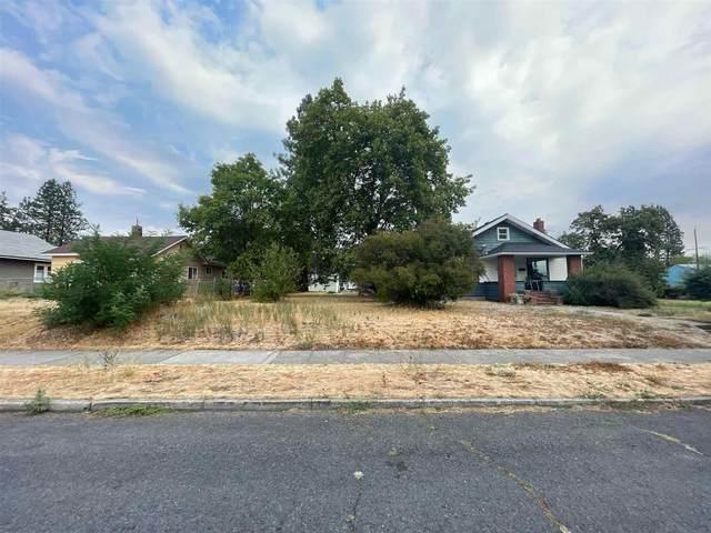919 E Everett Ave, Spokane, WA 99207 (#202121055) :: Inland NW Group