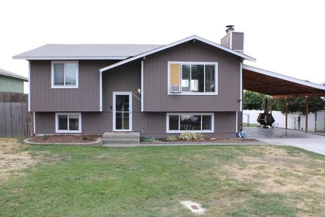 16703 W Lakeside Dr, Medical Lake, WA 99022 (#202121086) :: The Spokane Home Guy Group