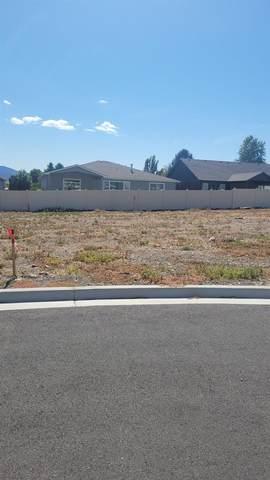 20214 E 10th Ct, Spokane Valley, WA 99016 (#202121648) :: Five Star Real Estate Group