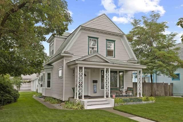 326 W Mansfield Ave, Spokane, WA 99205 (#202122174) :: Five Star Real Estate Group