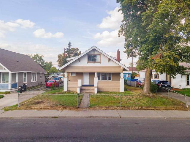 917 E Illinois Ave, Spokane, WA 99207 (#202122360) :: The Synergy Group