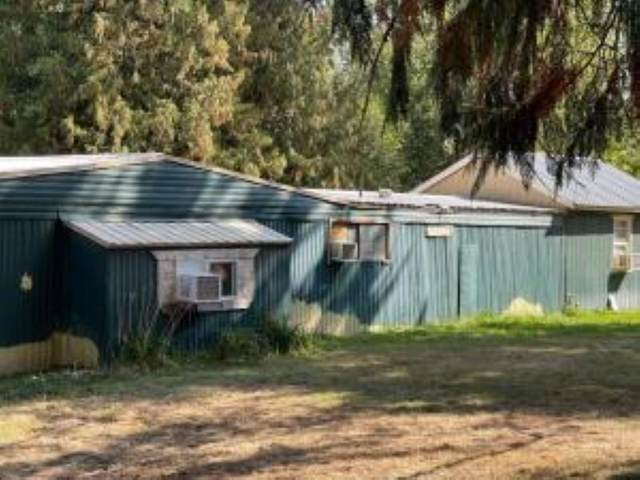 1208 E Eloika Rd, Deer Park, WA 99006 (#202122394) :: Five Star Real Estate Group