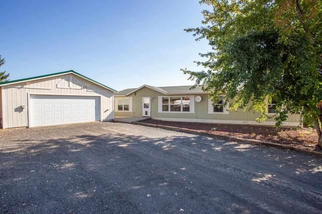 303 W North Rd, Rockford, WA 99030 (#202122483) :: The Spokane Home Guy Group