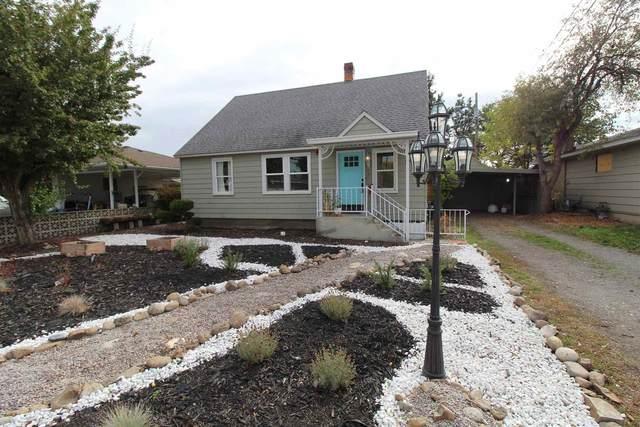 8612 E York Ave, Millwood, WA 99212 (#202122726) :: Bernadette Pillar Real Estate